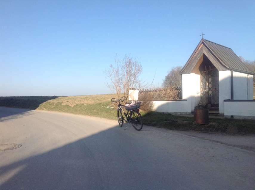 as seen on indoor cycling video #1: small chapel at sharp turn to the left when leaving Baierberg